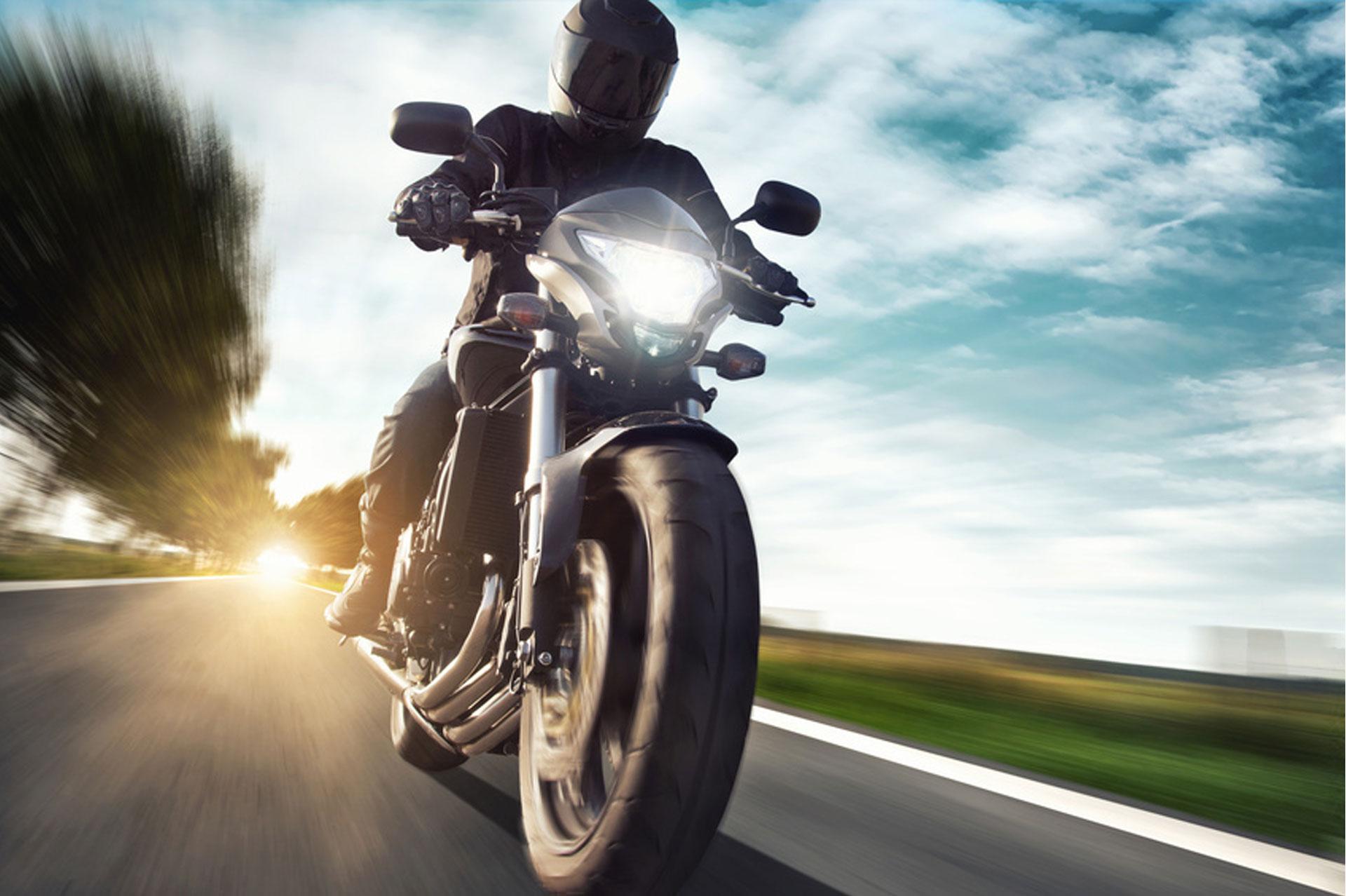 souscrire une couverture pour votre moto que faut il faire. Black Bedroom Furniture Sets. Home Design Ideas